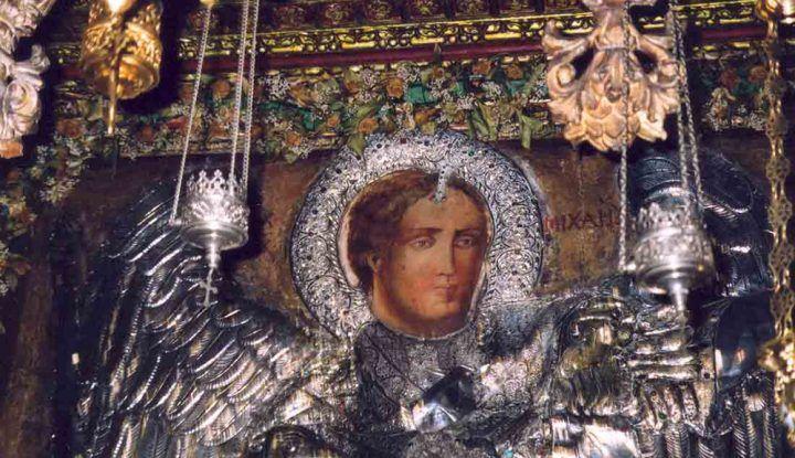 Η προσευχή αυτή, είναι αρχαία. Είναι αχειροποίητος! Εμφανίστηκε στον προθάλαμο της Μονής στο Κρέμλ της Εκκλησίας του Μιχαήλε Αρχιστράτιγε (Αρχιστράτηγου …