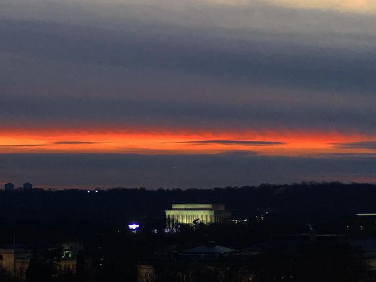 As the sun sets on the #LincolnMemorial I am truly sad that this is the Obama's last day in the White House.  A beautiful sunset for their send off! Laughing that is it supposed to rain cats and dogs for Trumps inauguration tomorrow!! Hee Hee !! #karmaisabitch #DumpTrump