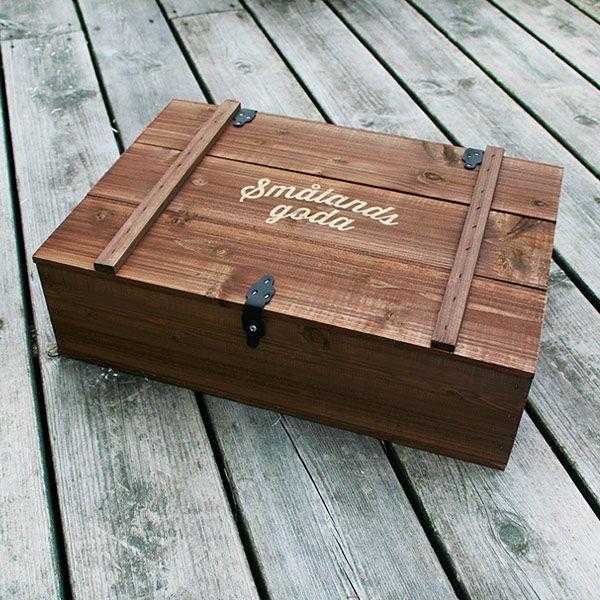 Brun låda med lock / Stående eller liggande (inkl. träull) - 90:- ink. moms