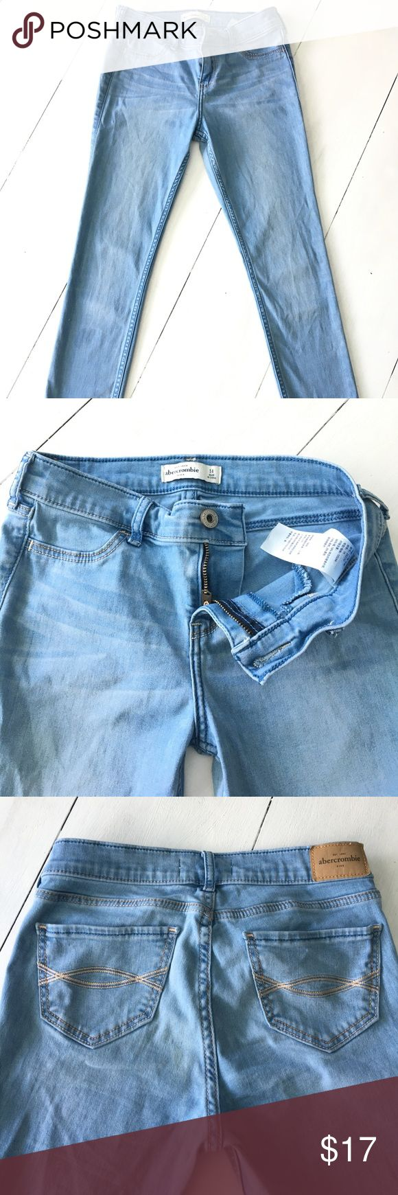 Abercrombie Girls sz 14 skinny Jegging Jeans EUC Abercrombie Girls size 14 skinny jeggings. These jeans have a lot of stretch and are very comfy. They are a light blue wash. abercrombie kids Bottoms Jeans