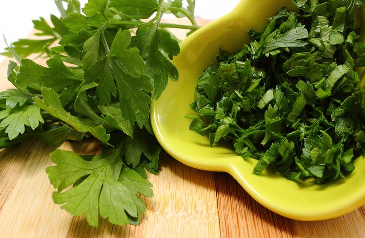 parsley for garlic breath