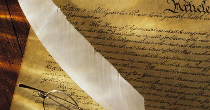 Como escrever uma nota de rodapé citando a Constituição. No mundo da citação acadêmica, documentos legais são uma anomalia. Um documento legal, como a Constituição, não é um livro nem um artigo. Em vez disso, ela ocupa uma classe única junto com os documentos governamentais. Para citar a Constituição em uma nota de rodapé, você deve se referir ao artigo, à seção e à cláusula específicos que você está ...