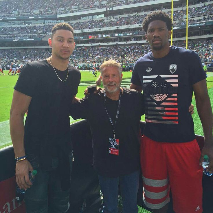 Ben Simmons, Coach Brown and Joel Embiid taking in an Philadelphia Eagles W today    #FlyEaglesFly