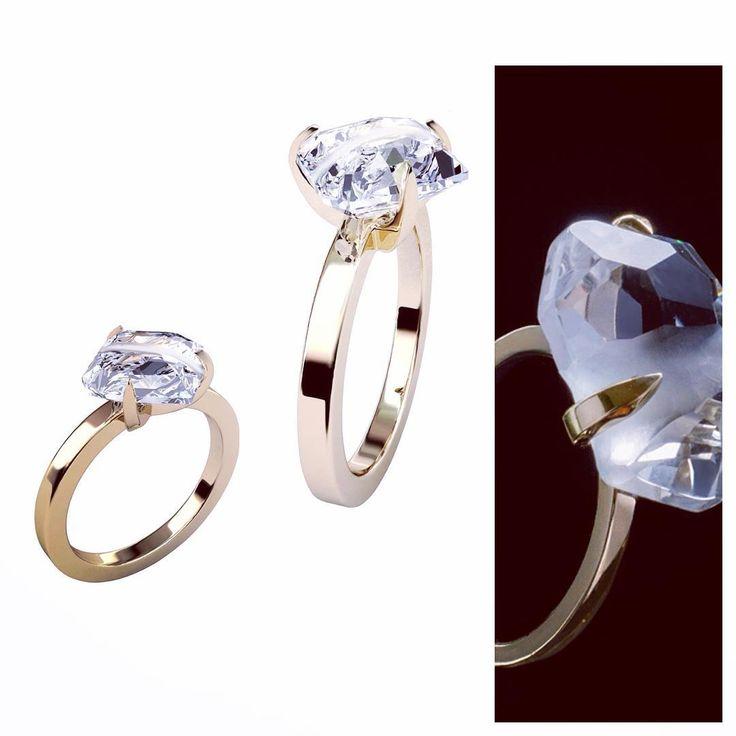 Я это все к тому, что помолвочные кольца не обязательно должны быть тиффани-стайл с бриллиантами. Горный хрусталь неповторимой огранки-тоже очень ок. #weddingring #onelifeonelove