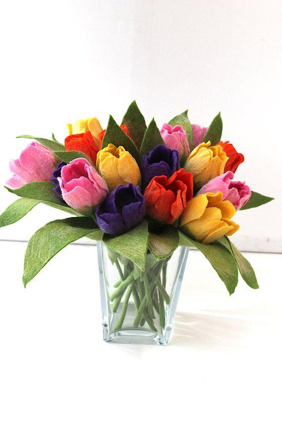 Bunte Tulpen In Handarbeit Gefilzt Etsy Felt Flowers Flowers Floral Art