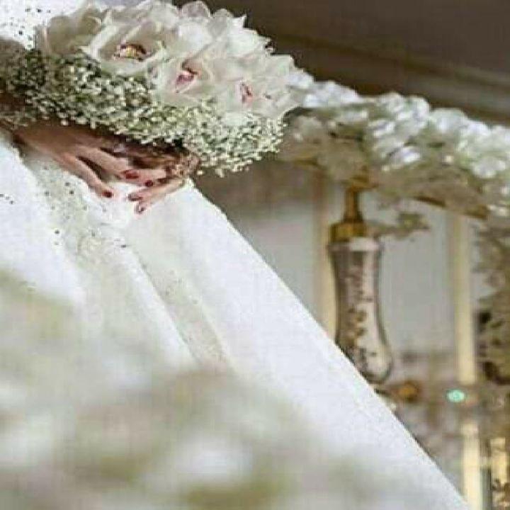 ثم قال والد العروس فإن شاء السكن على حصير و إن شاء سكن على حرير الأمر أمره من أؤتمن على العرض لا يطالب بالمال Flower Girl Dresses Wedding Dresses Dresses
