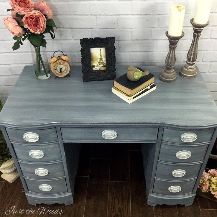 Vintage+Desk+Shabby+Chic+Makeover   http://www.justthewoods.com/hand-painted-shabby-chic-desk/