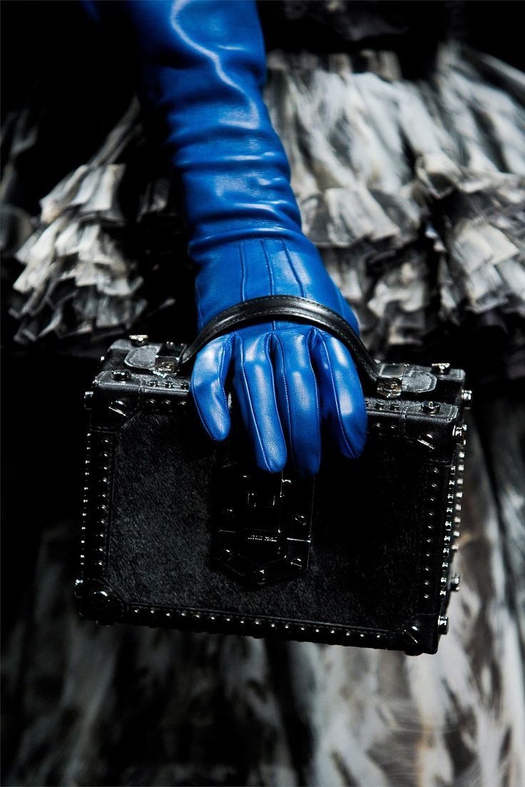 Blue leather gloves ladies uk - The Romance Elegance And Allure Of Long Gloves Throughout The Centuries Mousquetaires Elbow Length Gloves C Oh Yes And Random Outbursts On Unrelated