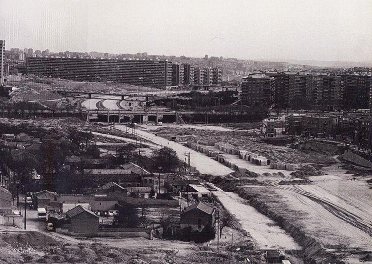 Obras de construcción M-30 en la avenida de la Paz.8 abril 1976. (Antonio Gabriel)
