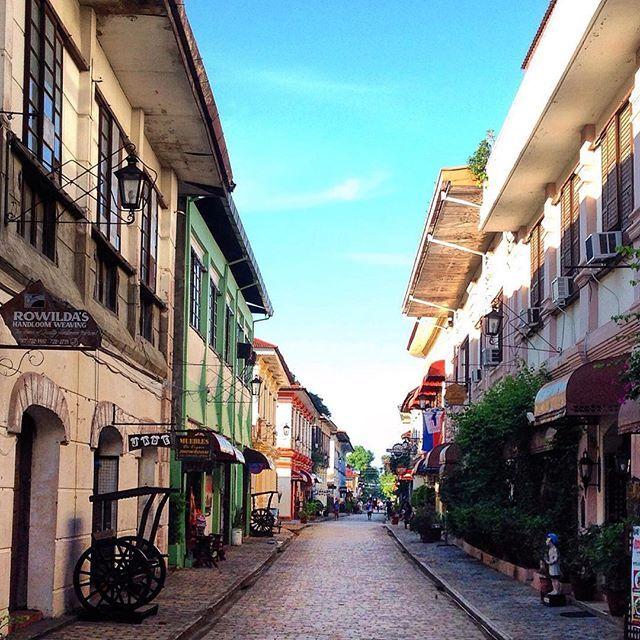 Vigan City, Ilocos Sur Calle Crisologo, Vigan - Ilocos Sur, Philippines Great Shot by: @md_9388  #vigan #philippines #unesco #ilocos #laoag #itsmorefuninthephilippines #traveler #spanish #onlyinthephilippines #hispanic #cobblestone #asia #europeanarchitecture #oriental #ph #pinoypride #new7wonderscities #callecrisologo #wondercity #history #spanishcolonial #taggeddestinations #wanderlust #travelgram #phvacation #vigancity #southeastasia