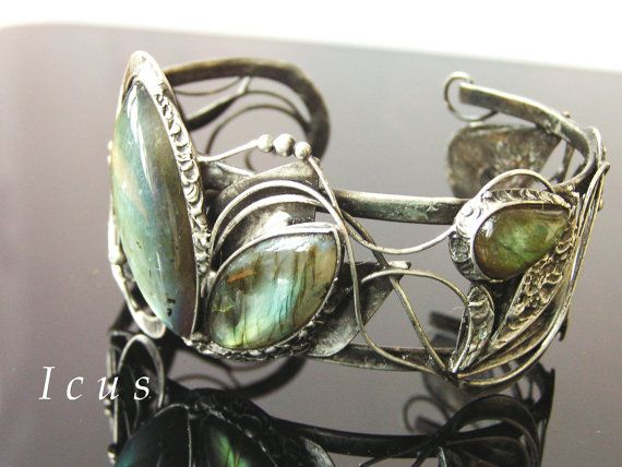 Labradorite Bracelet  Natural gemstone bracelet made by by Icus