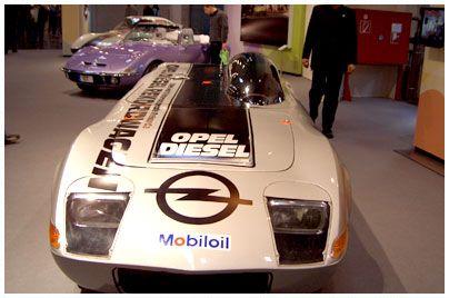 Opel stellte mit diesem Fahrzeug 2 Weltrekorde und 18 internationale Rekorde auf                                                            #Opel, GT Diesel # Prototypen, Unikate und Kleinserien #oldtimer #youngtimer http://www.oldtimer.net/bildergalerie/opel-prototypen-unikate-und-kleinserien/gt-diesel/30-05-200004.html