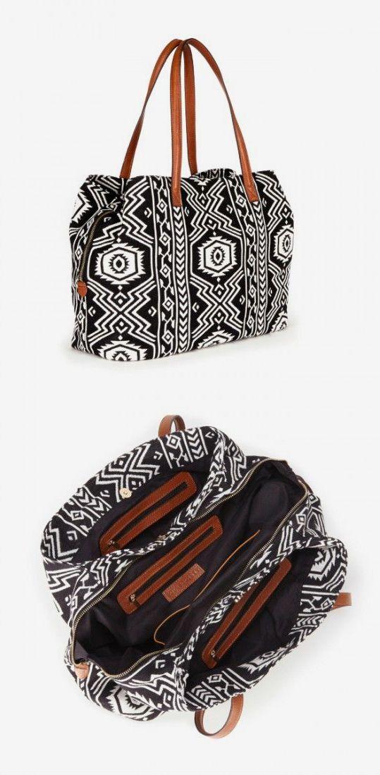 Oversized woven tote bag in black & white tribal print