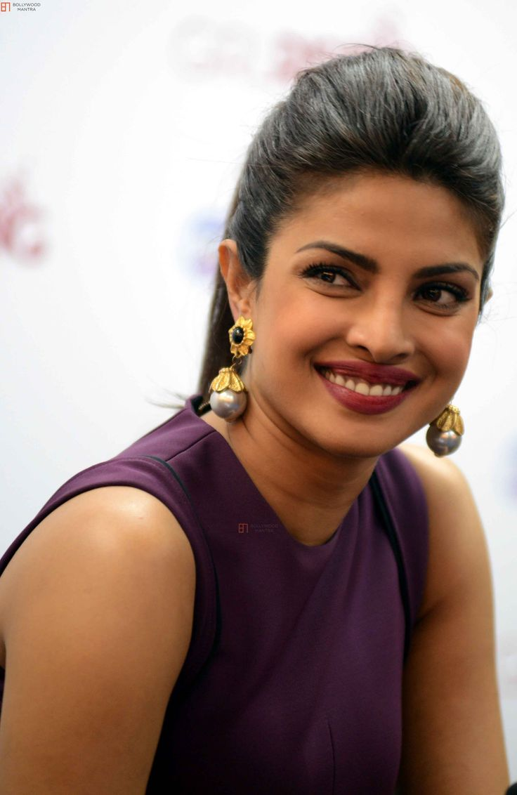 bollywood-actress-priyanka-chopra-sexy-wallpapers-6.jpg (2878×4428)