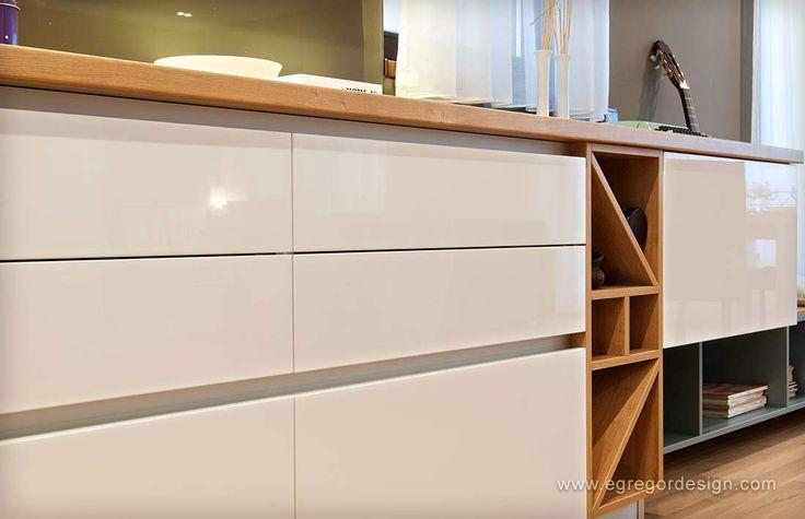 mobilare apartament familial sertare maner gola detaliu front mdf lucios