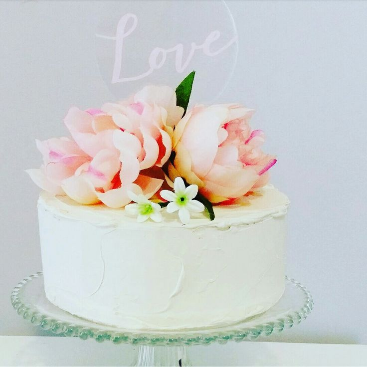 Soft romance with pink acrylic love. www.therusticatheart.com