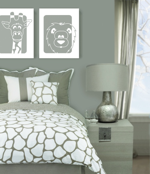 Love the wall art - lion & giraffe. just wish i could find it for purchase.