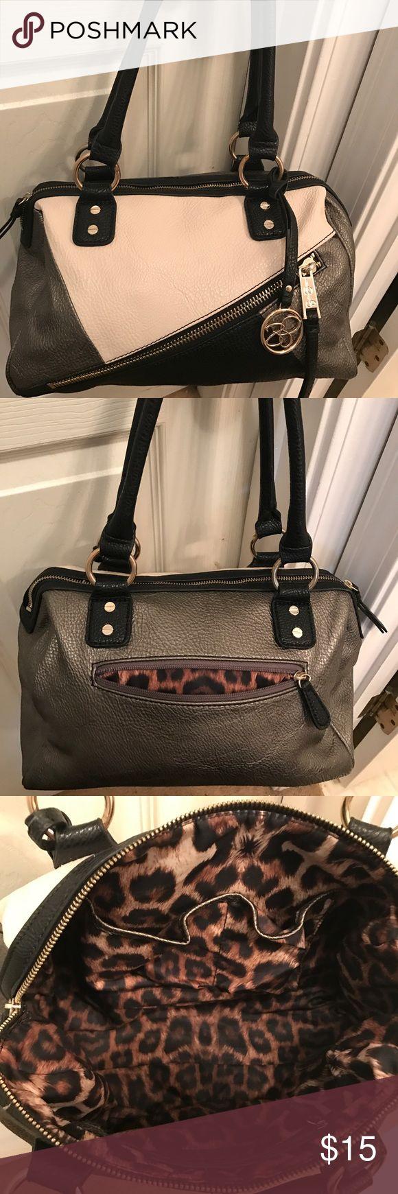 Jessica Simpson handbag Tricolored Jessica Simpson handbag. Very cute! Jessica Simpson Bags Shoulder Bags