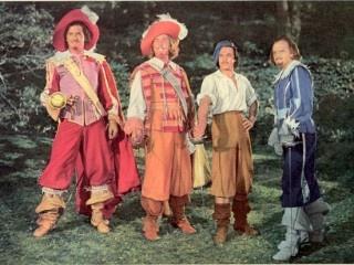Los tres mosqueteros (1948)Describe el carácter de cada uno de los personajes, principales, secundarios...