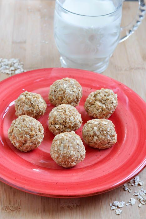 Oatmeal Peanut Butter Balls.  I've made these 3 times in the past week because they're an awesome late night snack that filling, packed full of good things such as fiber and protein and also really yummy!  One note: I've been using honey instead of vanilla but I'm sure both are just fine.