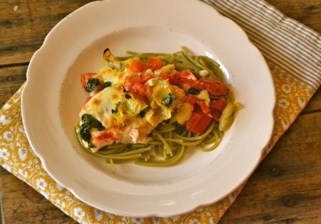Kip, tomaat, artisjok ovenschotel.