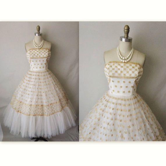 50's wedding dress: Wedding Dresses Vintage, Wedding Dressses, Fashion, 50S Wedding Dresses, Vintage Dresses, Weddings, 1950, Vintage 50S, 50S Dresses