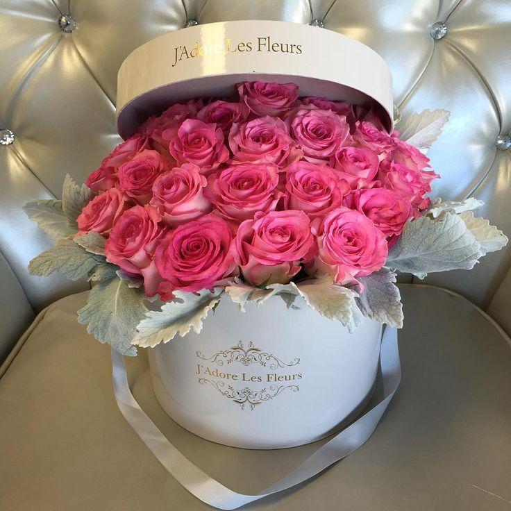 Keep it PINK #jadorelesfleurs #givemeaboxofflowersplease #love #happy #roses #flowersinabox #boxofflowers #LA #studiocity #instadaily #instagram #beautiful #iloveyou #arrangement #wedding #boxofflowers #flowers