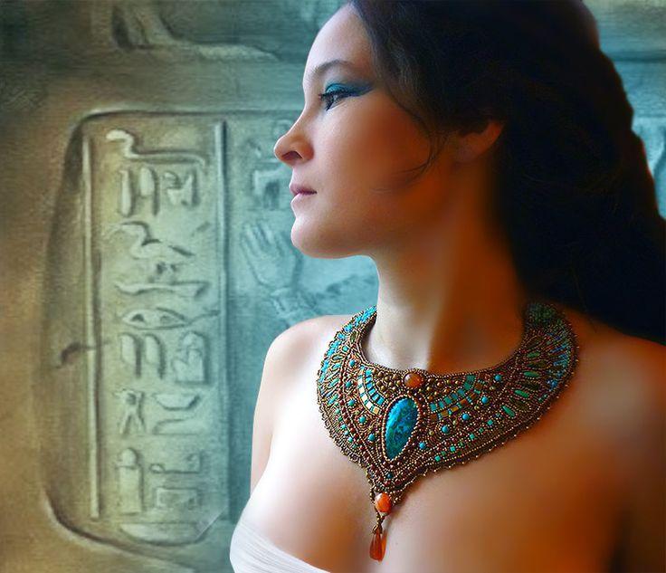 Necklace   Elen Noel. 'Cleopatra'  Beadwork combining chrysocolla and malachite.