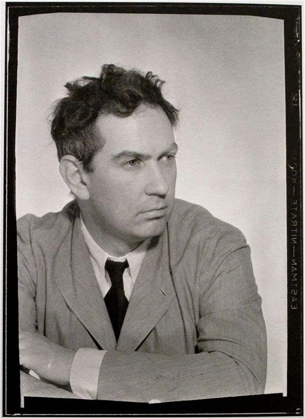 Alexander Calder por Man Ray