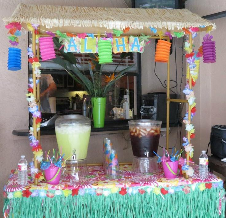 Hula girl luau party tiki hut crazy beautiful for Beach hut decoration ideas