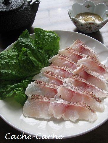 いつもお世話になっているご近所の釣り名人さんから、立派な鯛を3尾いただきました~♪ 鯛・・・大好きなお魚なので、めちゃくちゃ嬉しいです! 今日はまず、...
