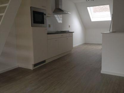 Prachtig appartement bekleed met Pvc wel eerst egaline toegepast voor een strakke ondergrond. Eindresultaat sterk en onderhoudsvriendelijk.