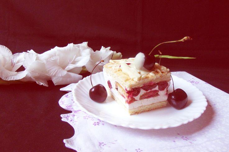 Prăjitură diplomat cu vişine