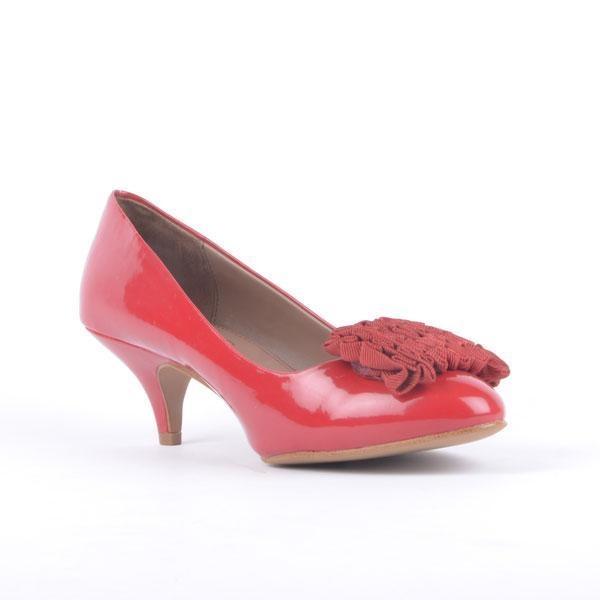 ZARA Pantofi rosii de lac Zara - http://outlet-mall.net/outlet/outlet-incaltaminte-femei/zara-pantofi-rosii-de-lac-zara/