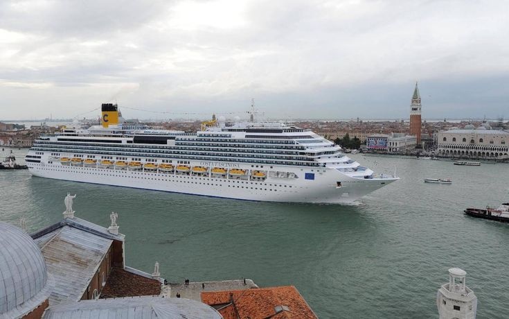 Italy bans huge cruise ships from Venice city centre | The Independent: http://www.independent.co.uk/travel/news-and-advice/venice-cruise-ship-ban-55-tonnes-marghera-port-where-is-it-italy-a8044026.html