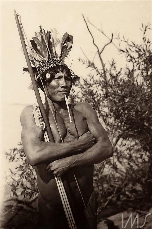 Índio da tribo Carajás Anônimo