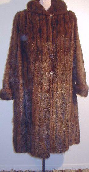 Vintage fur coat.Manteau.