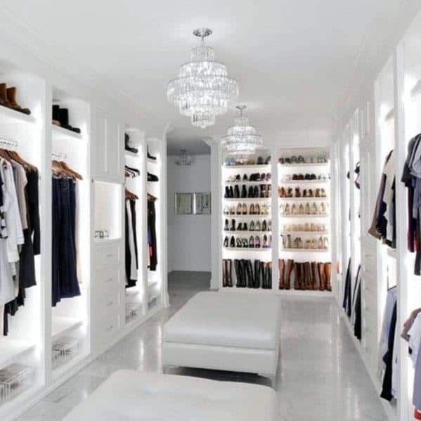 Fab Walk In Closet Vanity Practical Without Being Ludicrously Huge And Oott Closet Decor Dressing Room Design Walk In Closet Design