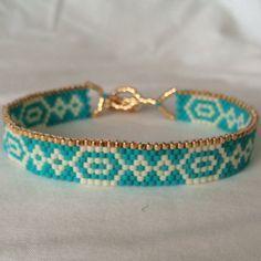 Beaded Bracelet. Seed bead bracelet. Peyote by LetsMakeEverything