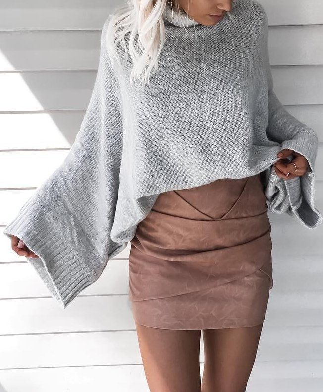 fall outfit ideas / gray bell sleeve sweater + suede skirt