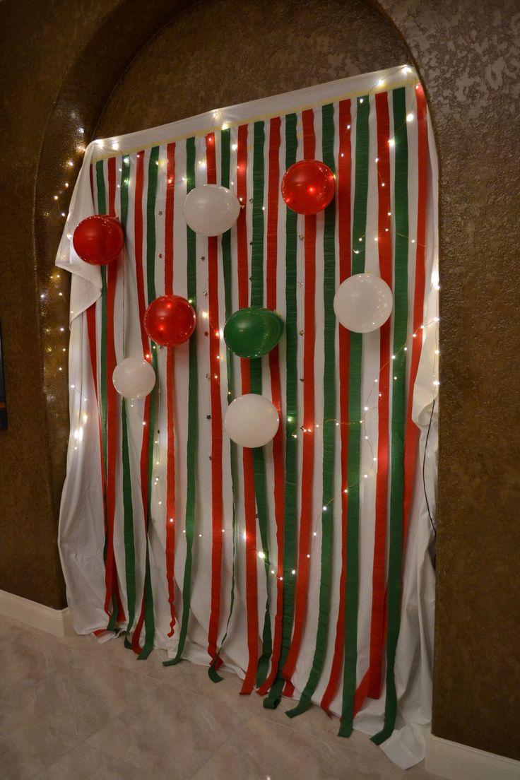 Easy DIY homemade Christmas party photobooth backdrop!