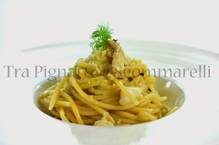 Spaghetti con scorfano, crema di broccolo romanesco e mollica di pane tostata al profumo di ginepro | Tra pignatte e sgommarelli