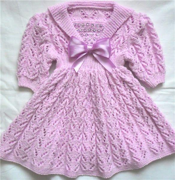 Вязаное платье для девочки спицами с рукавами