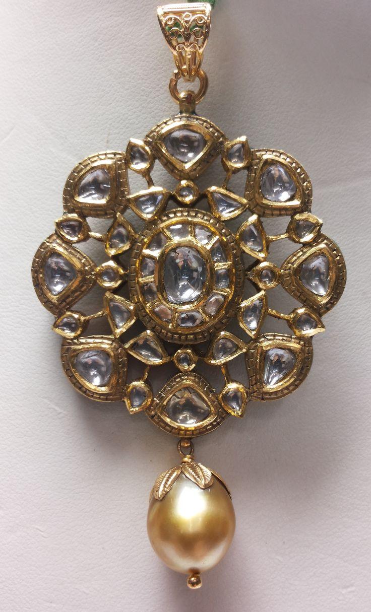 Kundan Polki pendant in 22 Kt Gold.