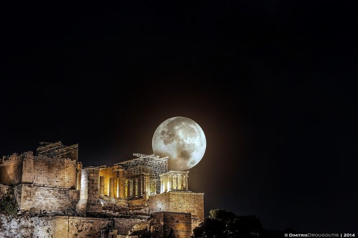https://flic.kr/p/oENgs3 | Supermoon Over Acropolis