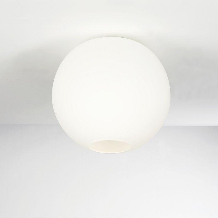 Glob P2040 taklampe, opalt glass, Ø: 26 cm