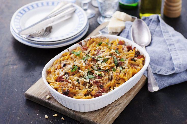 Recept från Zeta. Pastagratäng med kyckling och pancetta