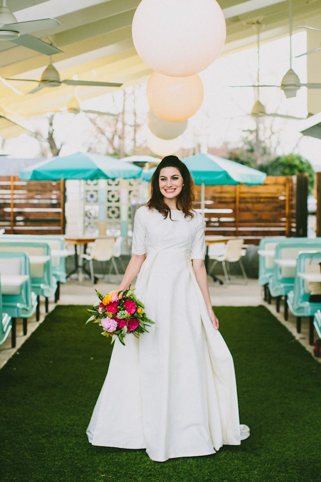 60s Styled Shoot Inspired By Cy Twombly Retro Weddingssummer Weddingsthemed Weddings1960s