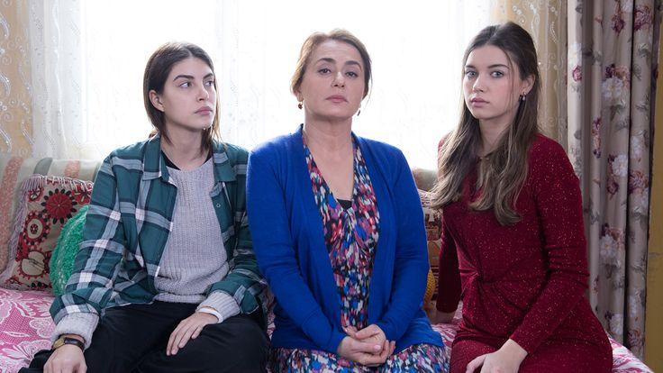 Fazilet Hanım ve Kızları 1.bölüm izle