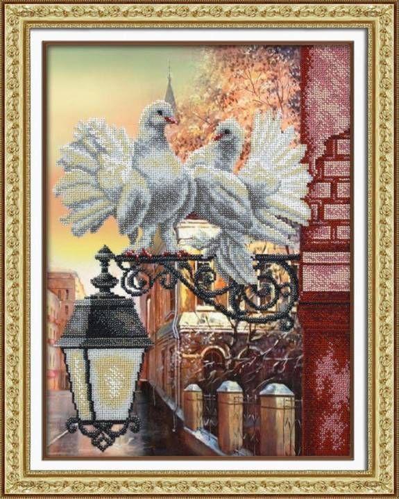 Голубки. Размер: 28х38 см. В состав набора входит: бисер (Чехия) 12 цветов, льняная ткань с нанесенным рисунком, бисерная игла, подробная инструкция.